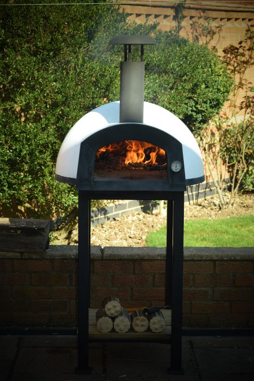 Win A Fantastic Pizza Oven From Etna Ovens Worth 800